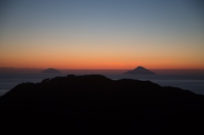 Coucher de soleil aux iles eoliennes, photo Serge Briez, Cap mediations 2014
