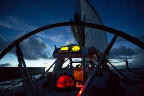 Navigation de nuit sur Thera explorer, photo Serge Briez, Cap médiations 2014