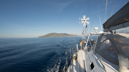 Départ des iles éolinnes vue de Thera explorer, Photo Serge Briez, Cap médiations 2014