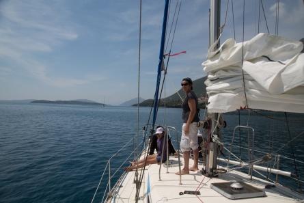 Chenal de Lefkadas, route vers Nidrya, Dimanche 11 Mai 2014, à bord du bateau Jef, photo Serge Briez, Cap médiations 2014