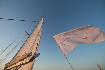 Lever de soleil sur Thera explorer, photo Serge Briez, cap mediations 2014