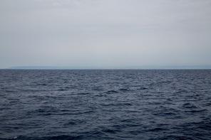 Aperçu au loin de Syracuse, première sensation de la terre, photo Serge Briez, cap médiations 2014