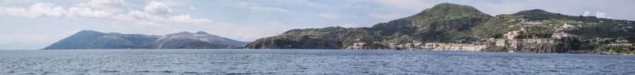 Panoramique de Vulcano et Lipari, îles éoliennes, photo Serge Briez, Cap médiations 2014