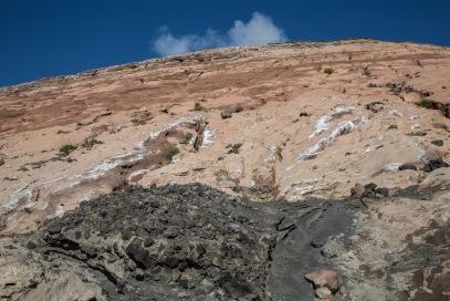 Photo du grand cratère de Vulcano, le long du chemin, photo Serge Briez, Cap médiations 2014