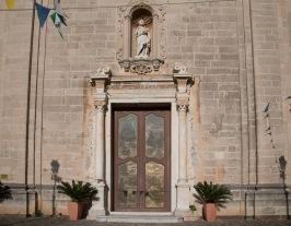Façade baroque et portail en bronze de la basilique San Bartoloméo, Lipari, photo Serge Briez, Cap médiations 2014