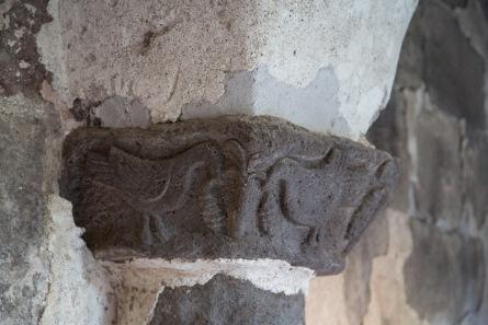 Bestiaire et ornements du chapiteaux du cloitre du XIè Siècle, île de Lipari, photo Serge Briez, Cap médiations 2014