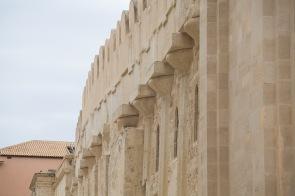 Façade Nord de la Cathédrale du Duomo, faisant apparaitre les colonnes grecques du temple d'Athéna, photo Serge Briez, Cap médiations 2014