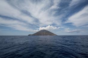 Le Stromboli, île éolienne, photo Serge Briez, Cap médiations 2014