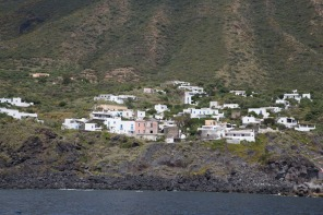 Village de Ginostra à l'ouest du stromboli, photo Serge Briez, Cap médiations 2014