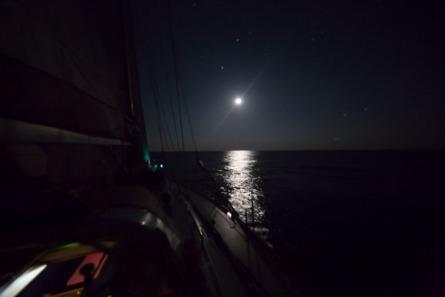 Thera Explorer dans la nuit, photo Serge Briez, Cap médiations 2014