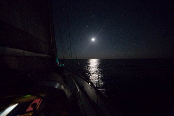 Thera Explorer dans la nuit, photo Serge Briez, Cap médiations 2014