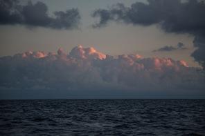 Coucher du soleil pres des iles éoliennes, photo Serge Briez, Cap médiations 2014