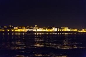 Syrracuse de nuit, 2h00, départ de Thera explorer, photo Serge Briez, Cap médiations 2014