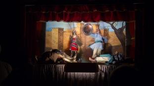 Bataille d'Orlando à la recherche de son amour, Angélique, Spectacle de la chanson de Roland au Teatro Dei Pupi, Via della Giudecca, Syracuse, photo Serge Briez, Cap médiations 2014