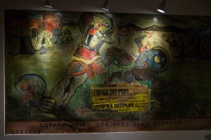 Affiche de l'ancienne façade du Teatro Greco, photo Serge Briez, Cap médiations 2014