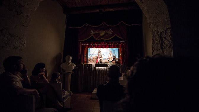 Spectacle de la chanson de Roland au Teatro Dei Pupi, Via della Giudecca, Syracuse, photo Serge Briez, Cap médiations 2014